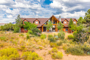 women's addiction is treated at painted desert recovery